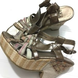 BKE Womens Wedge Heels 6.5 Sandals